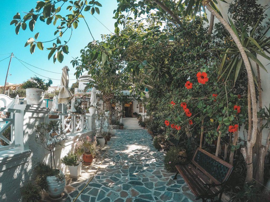Hotel-Matina-Kamari-Santorin-Reiseblog-VonPalmenundBergen