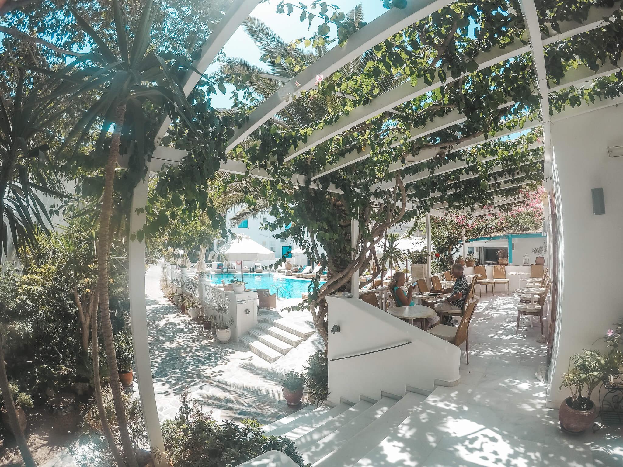 Hotel Kamari-Santorin-Reiseblog-VonPalmenundBergen
