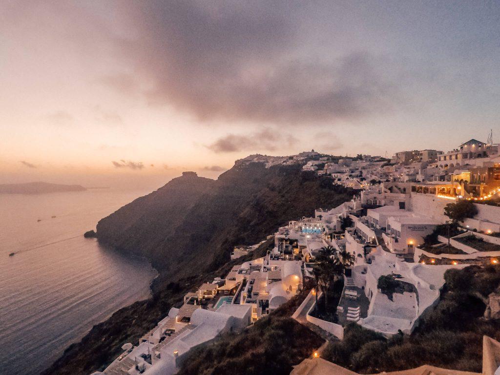 Santorin-Sonnenuntergang-Fira-Reiseblog-VonPalmenundBergen
